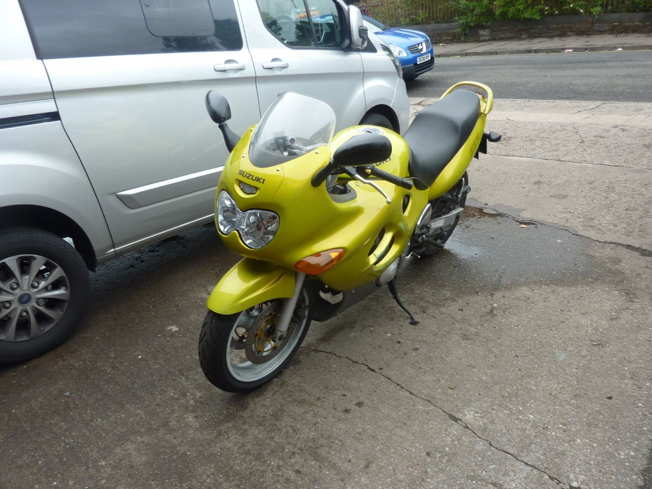 Suzuki GSX600 MOTORCYCLE 600 Sports Tourer Petrol YELLOW at J & C Car Sales Glasgow