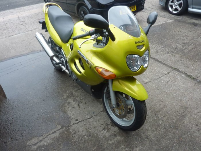 Suzuki GSX600 MOTORCYCLE 600 Sports Tourer Petrol YELLOW